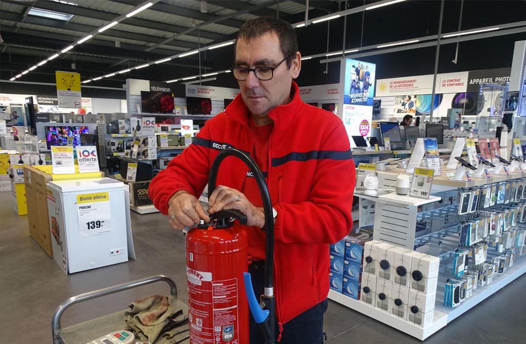 controle extincteur - Norméo, spécialiste de la sécurité incendie